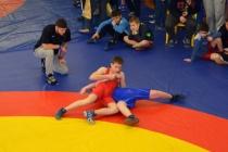 На турнир по греко-римской борьбе в Воронеж приехали более 300 юных спортсменов