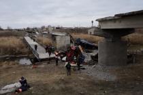 Семье погибшего при обрушении моста в Воронежской области выплатят матпомощь