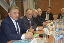 Сенатор Сергей Лукин в Воронеже предупредил о критической ситуации, которая назревает в строительной отрасли