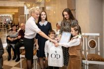 Сенатор Сергей Лукин поздравил многодетные семьи Воронежа