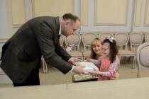Вслед за шефом замы воронежского губернатора исполнили желания детей