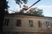 Представители воронежской УК ликвидировали последствия непогоды