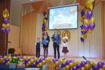 Депутаты ДСК поздравили воронежскую школу № 55 с юбилеем