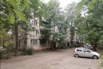 В Воронеже жильцы дома по ул. Беговой страдают от вони и незавершенного ремонта в подвале