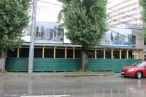 Власти обещают прекратить стройку офисного здания в центре Воронежа