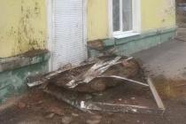В Воронеже рухнул балкон ветхого дома