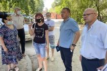Управление ЖКХ совместно с ОНФ проверили благоустраеваемые дворы в Воронеже