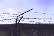 Экс-полицейского воронежского ГСУ оставили под стражей на второй год