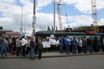 Заправка или жилой дом: как воронежцы митинговали у стройки на Хользунова