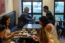 Александр Гусев сводил Игоря Щеголева в боровшуюся за название воронежскую «кулинарную лавку»