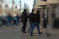 Силовики нагрянули домой и в офис директора воронежского АИР