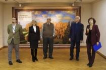 В воронежский музей Крамского привезли полотна известных художников России