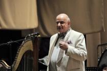 Бронислав Табачников: «Часть хора безобразно ведет себя по отношению к новому хормейстеру»
