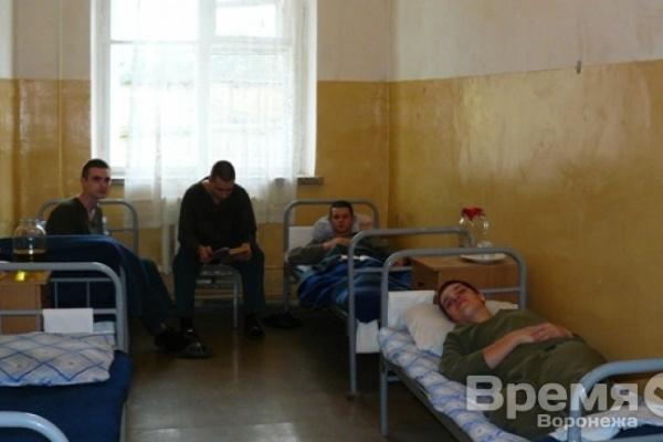 Воронежский омбудсмен: В госпитале лечатся 300 солдат после вспышки пневмонии и ОРВИ в военном учебном центре