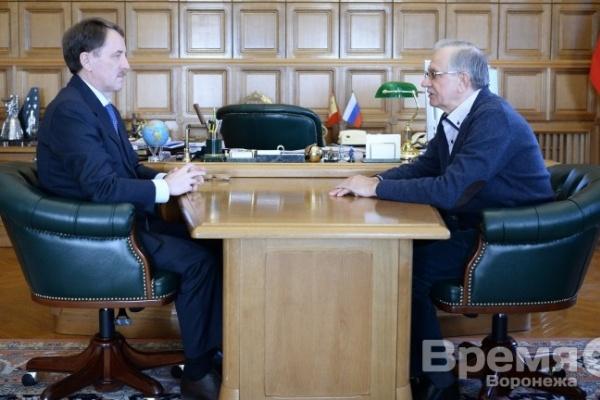 Воронежский губернатор умеет управляться с банками