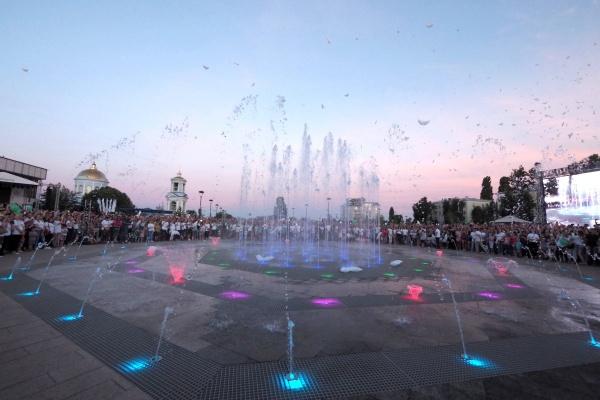 В Воронеже к сентябрю оборудуют парковку у Советской площади