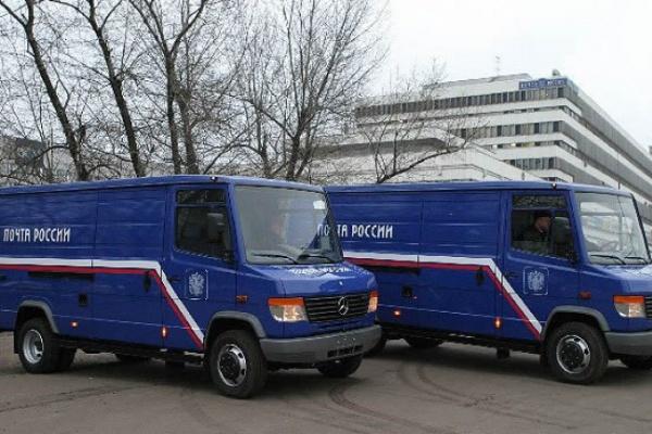 В Боброве мужчина напал на грузовик, перевозивший 2 млн рублей