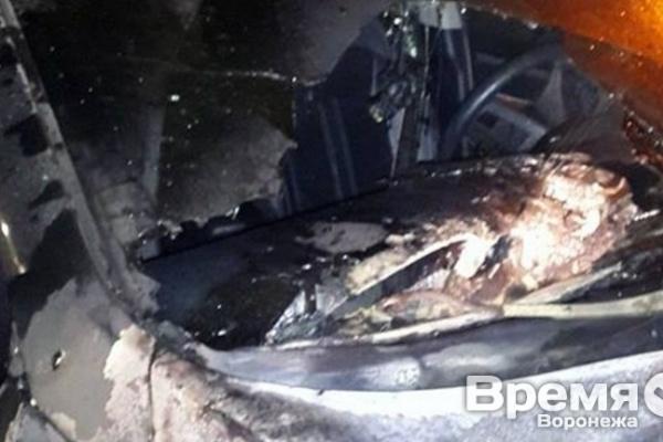 Поджог машин заставил экс-прокурора Воронежской области вспомнить о чести
