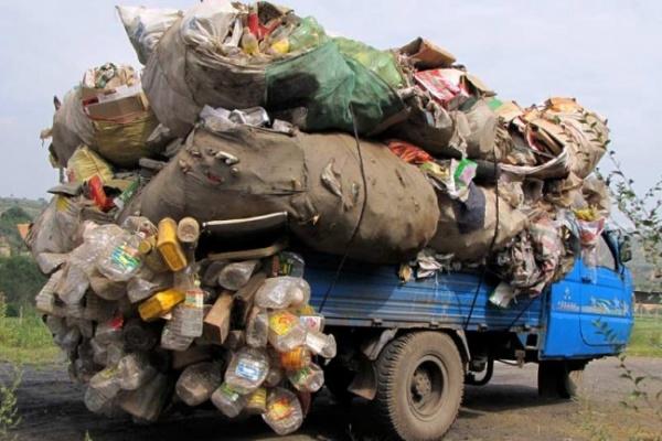 В Воронеже управляющая компания делала деньги на мусоре жильцов