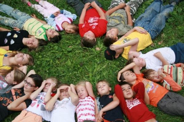 Летом в Воронежской области отдохнут 70 тыс. детей