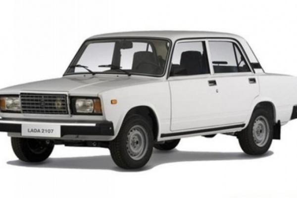 Инвалидам Воронежской области вручили новые авто
