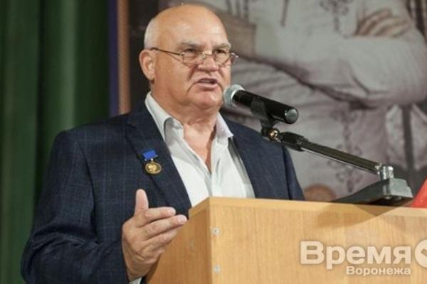 Постучится ли «барин-националист» Александр Лапин в  воронежскую КПРФ?