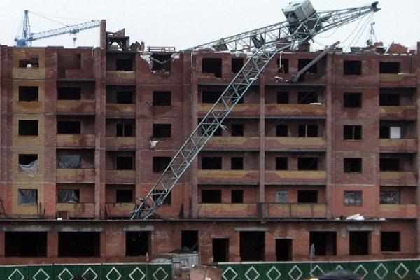 В Воронеже строительные краны могут рухнуть в любой момент