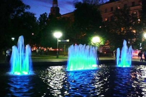 Главный фонтан Воронежа перешел на ежедневную светомузыку