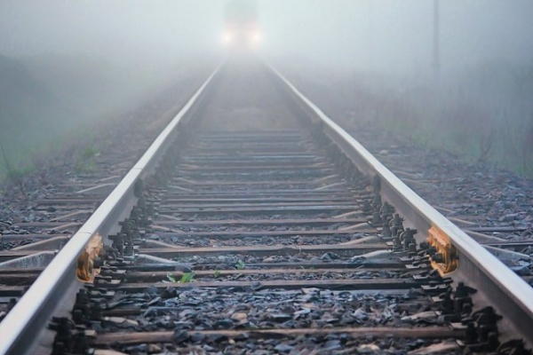 Воронежец хотел отомстить жене за измену, столкнув ее под поезд