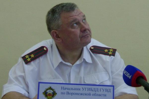 Главный гаишник Воронежской области не признал в писающем полицейском подчиненного