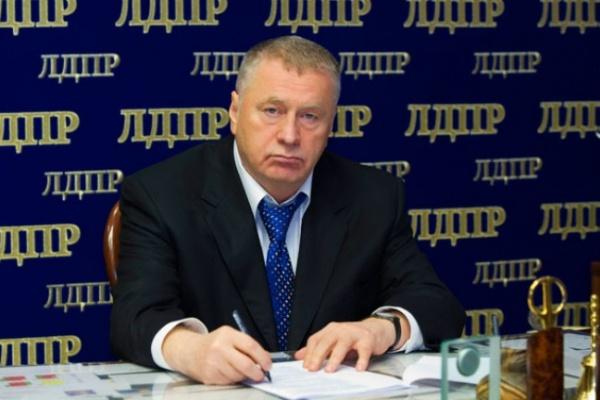 Жириновский едет в Воронеж проконтролировать партийцев