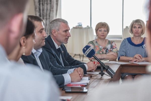 Алексей Журавлев: «Диалог с районами – залог эффективной работы и развития области»