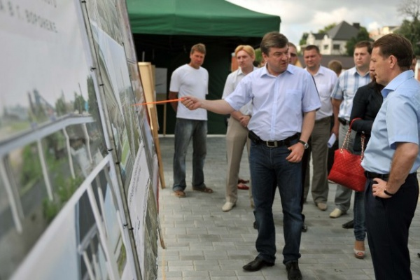 Воронежский губернатор пригрозил разогнать реконструкторов набережной Массалитинова