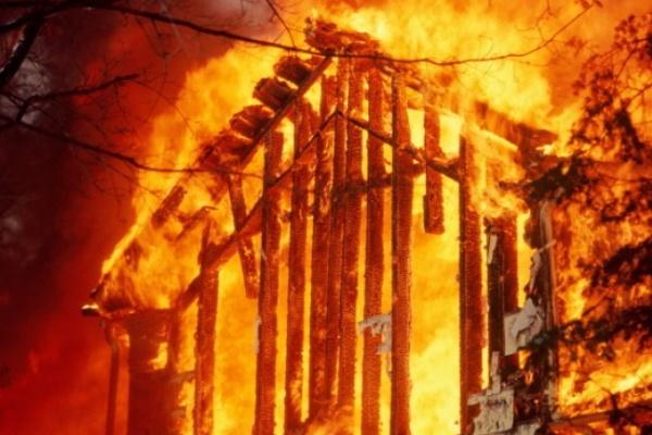 В Воронежской области при пожаре задохнулась женщина