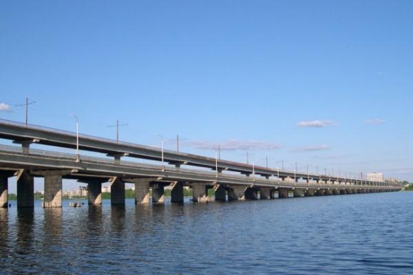 В Воронеже с Северного моста упал мужчина