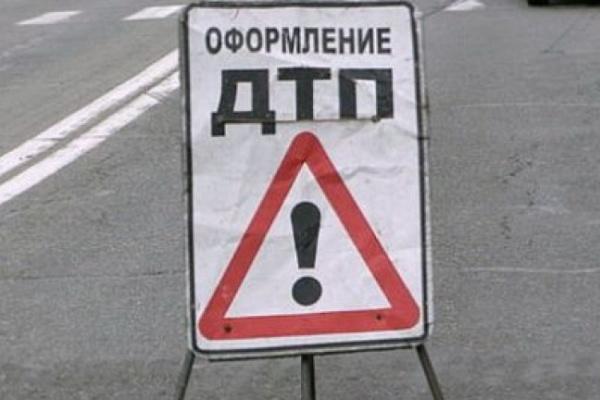 В Воронежской области при лобовом столкновении иномарок погибли два водителя
