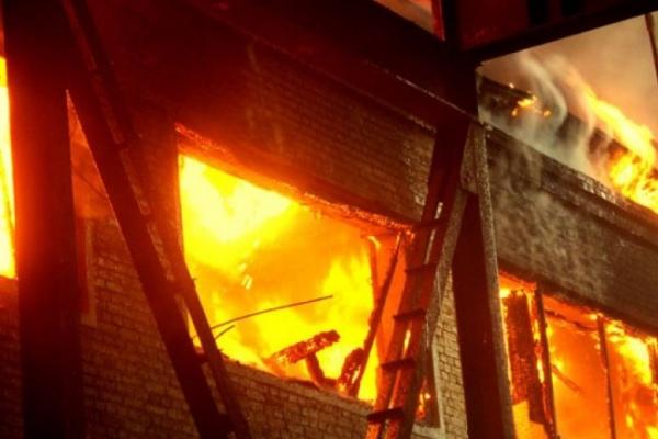 В Воронеже во время пожара из многоэтажки было эвакуировано 16 человек