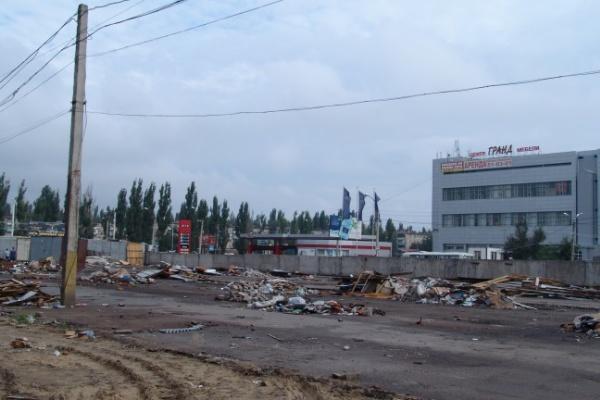 В Воронеже Остужевский рынок разобрали почти до основания