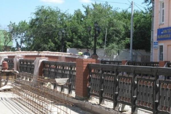 В Воронеже под Каменным мостом можно будет проехать только через месяц