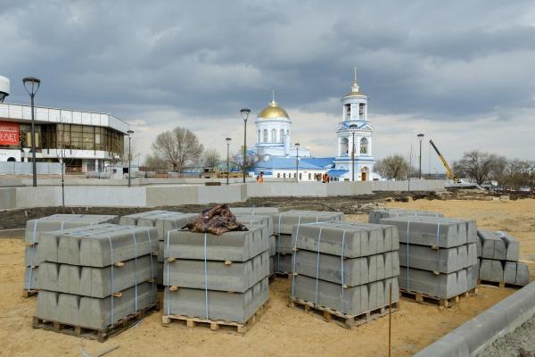 Мэр Воронежа поручил завершить реконструкцию Советской площади до 3 июня