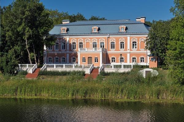 Власти определили защитную зону вокруг усадьбы Сталь фон Гольштейн в Воронежской области