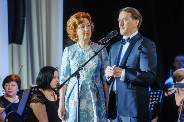 Супруга бывшего губернатора стала почетным гражданином Воронежской области