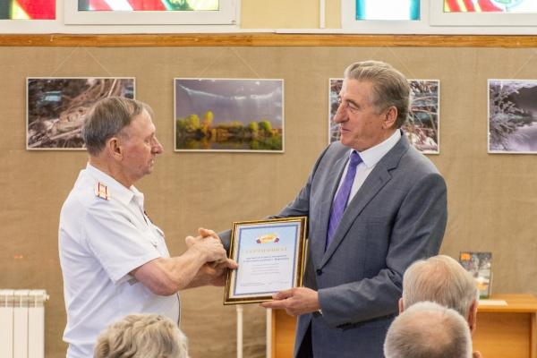 Воронежский сенатор встретился с ветеранами и школьниками накануне Дня памяти и скорби