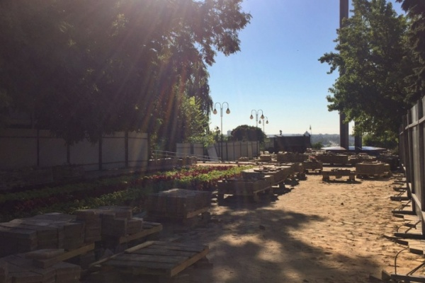 В Воронеже подрядчик пообещал закончить основные работы на площади Победы до начала зимы