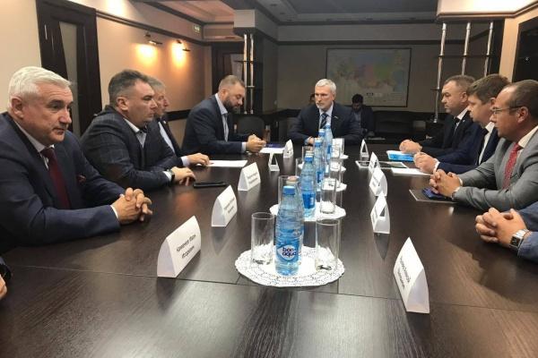 Депутат пообещал поднять вопрос поддержки воронежской ГК «ЦНО-Химмаш» в Госдуме