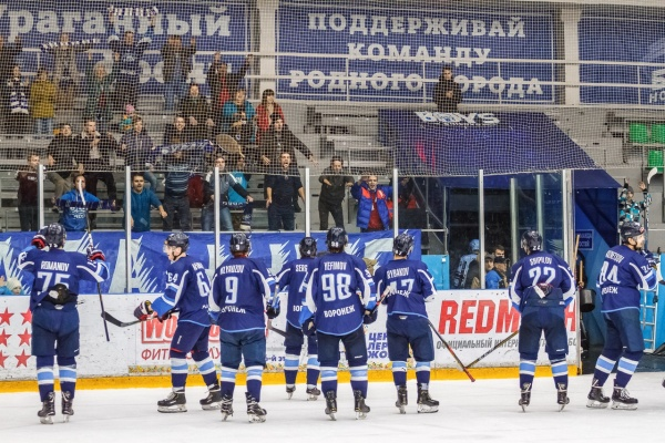 После серии домашних матчей воронежский ХК «Буран» находится в одном балле от зоны плей-офф