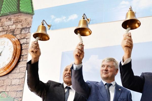 Воронежский губернатор поддержал сохранение поста главы Аннинского района за Василием Авдеевым