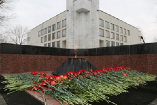В Воронеже прокуратура поругала мэрию за братские могилы