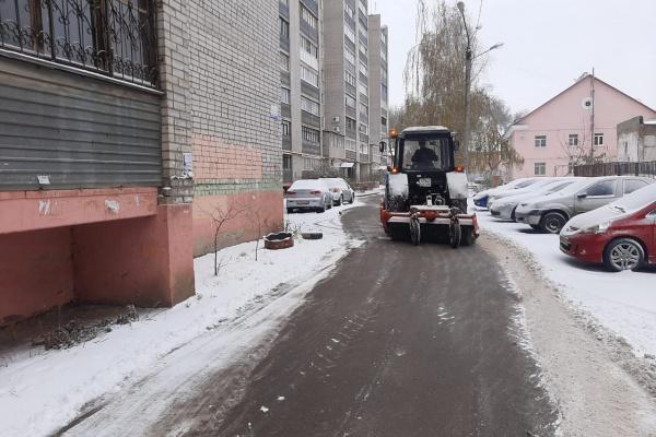 Воронежские УК справляются с последствиями снегопада