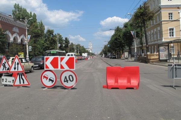 Мэр Воронежа требует, чтобы дорожники работали в три смены